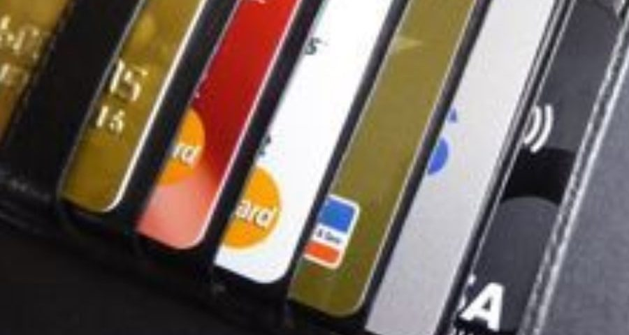 blog-picture-wallet-with-credit-cards
